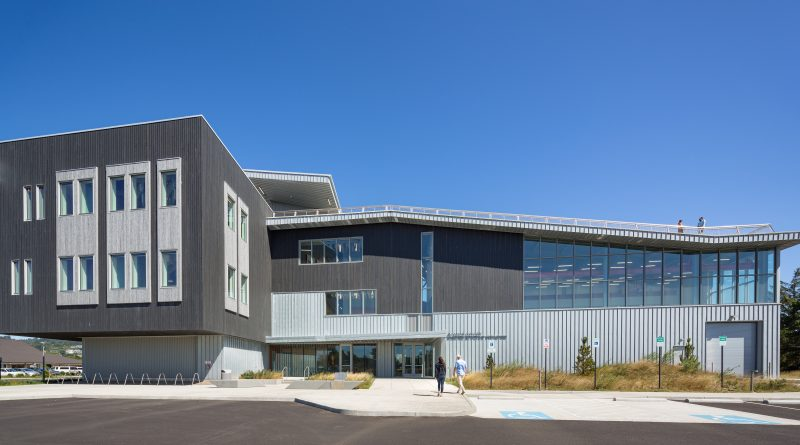 Modern Marine Center